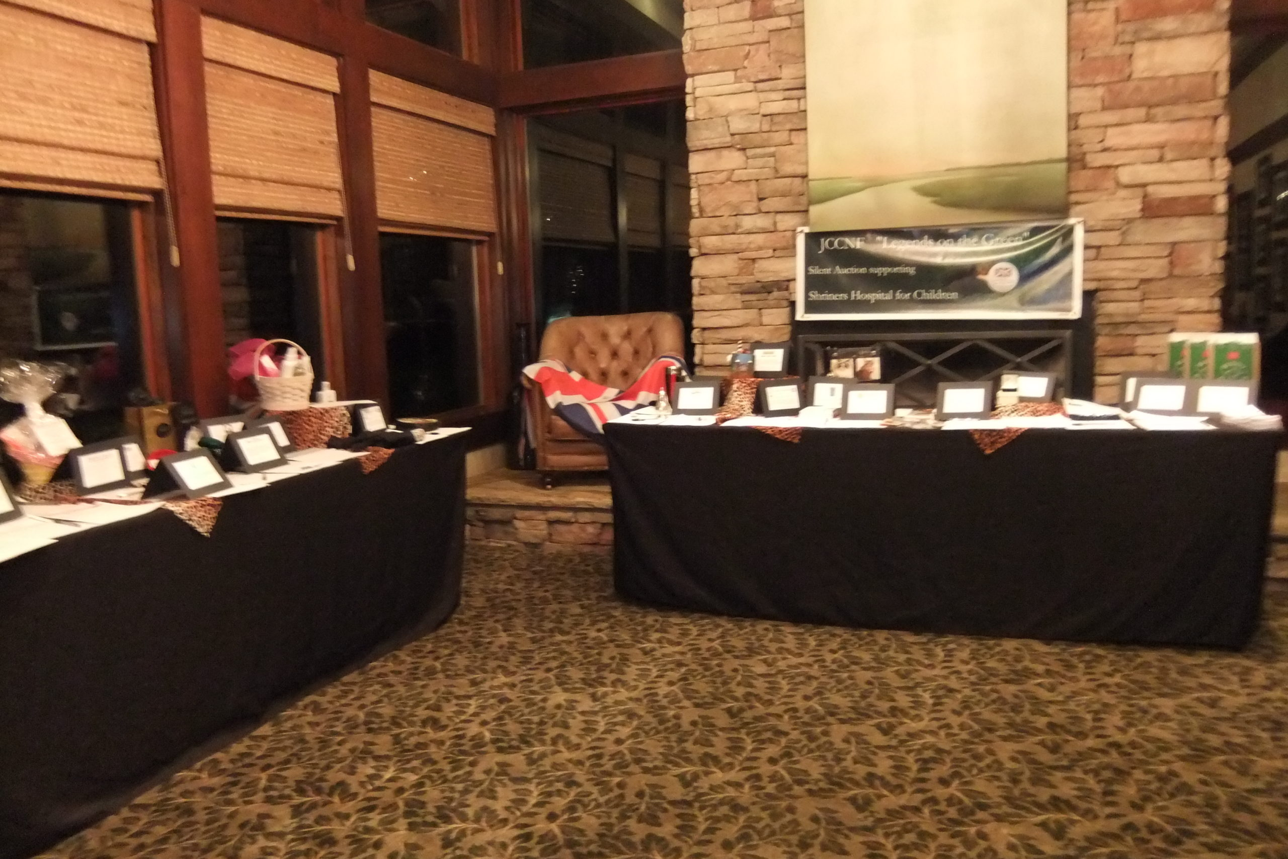 We can manage your fundraiser silent auction, either on-site or online!